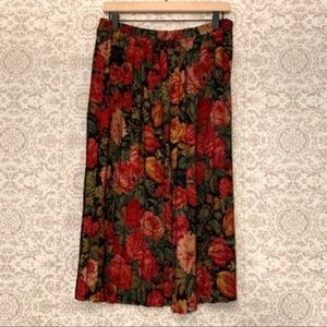 Jeffrey and Dara Petite Pleated Rose Floral Skirt
